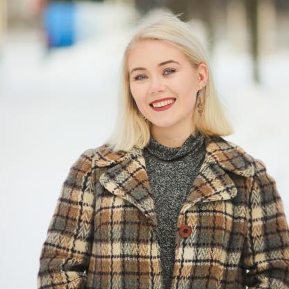 Ella Leirikesällä