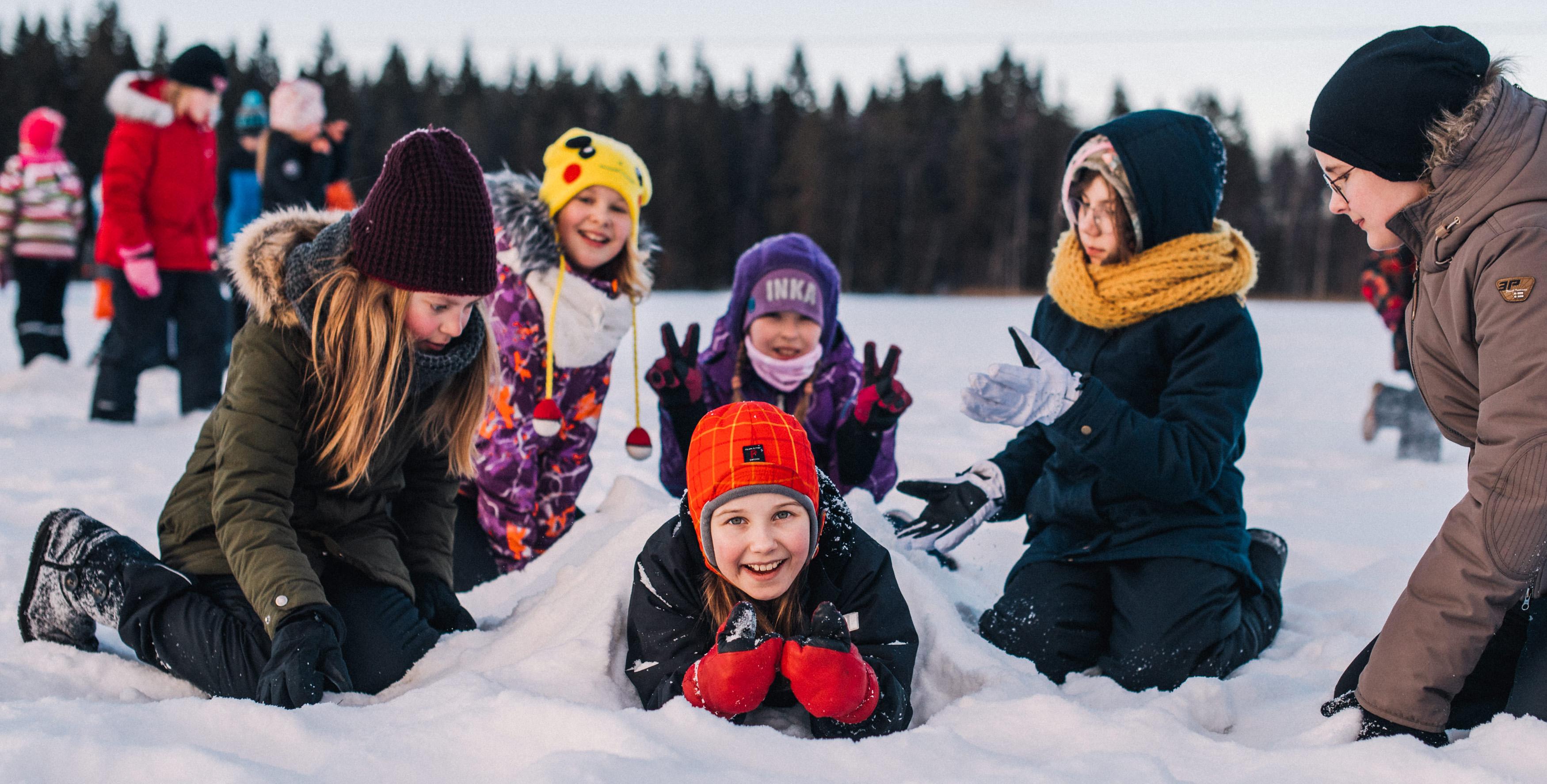 Leirikesä järjestää yö- ja päiväleirejä talvikaudella 2021-2022